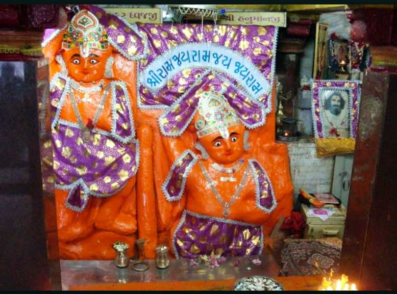 Hanuman and Makaradwaja